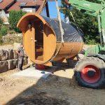 Fass Sauna wird fest eingebaut